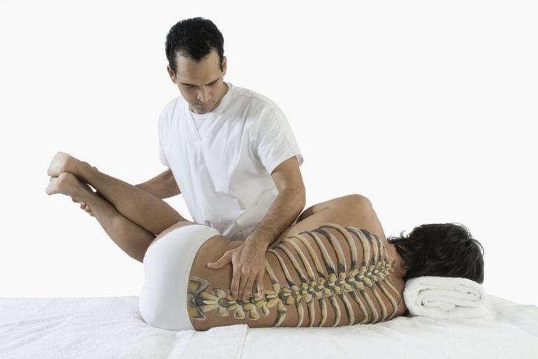 Что лечит мануальный терапевт