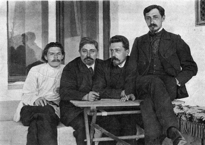 Рис. 5. М. Горький, Д. Н. Мамин-Сибиряк, Н. Д. Телешов и И. А. Бунин