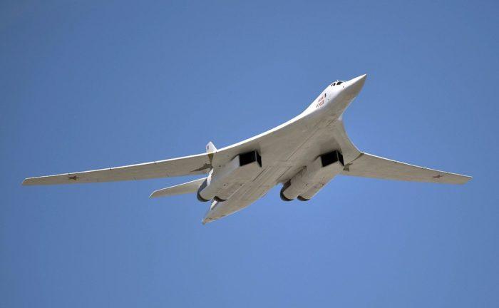 Рис. 5. Самолет Ту-160