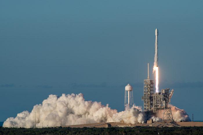 Рис. 4. Запуск ракети-носителя Falcon 9 компании SpaceX