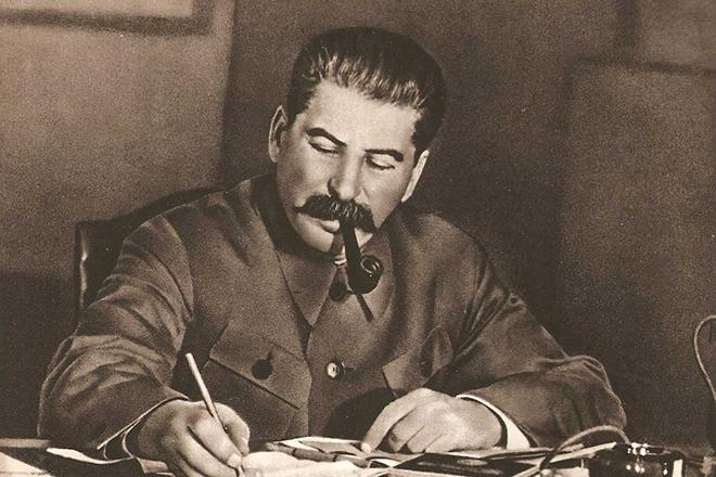 Рис. 1. Советский вождь Иосиф Виссарионович Сталин