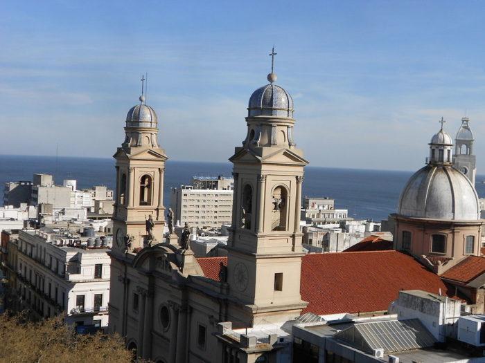 Рис. 10. Кафедральный собор Монтевидео. Уругвай