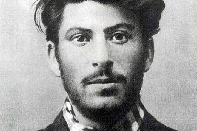 Рис. 2. Иосиф Сталин в молодости