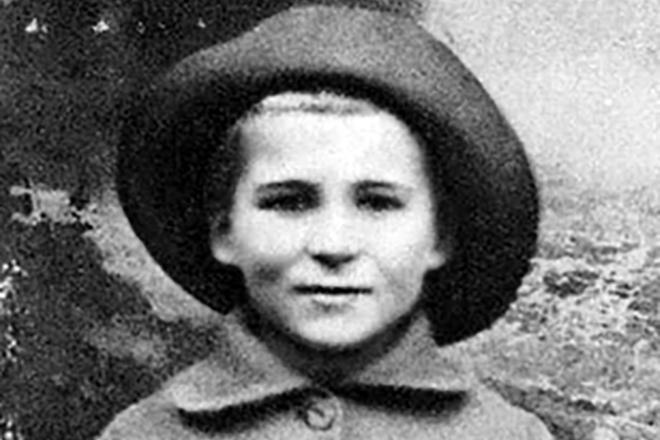 Рис. 2. Константин Симонов в детстве