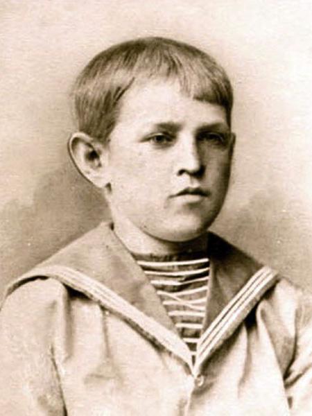 Рис. 2. Федор Достоевский в детстве