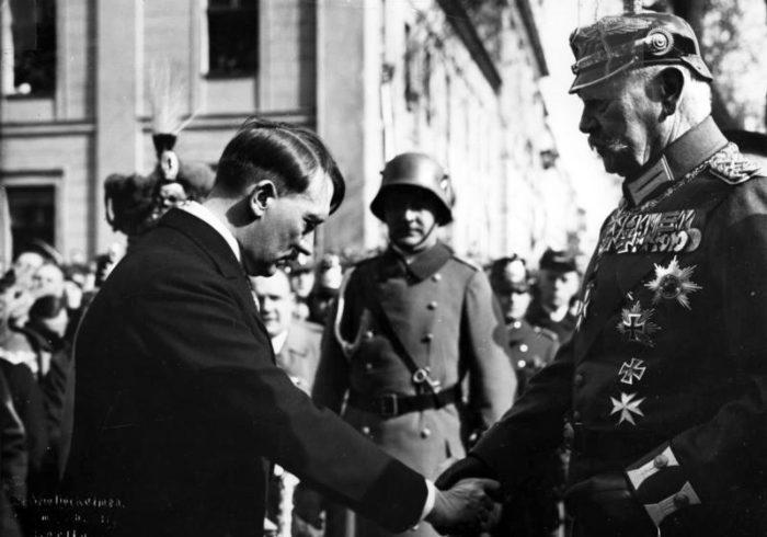 Рис. 4. «День Потсдама» — торжественная церемония 21 марта 1933 года по случаю созыва нового рейхстага