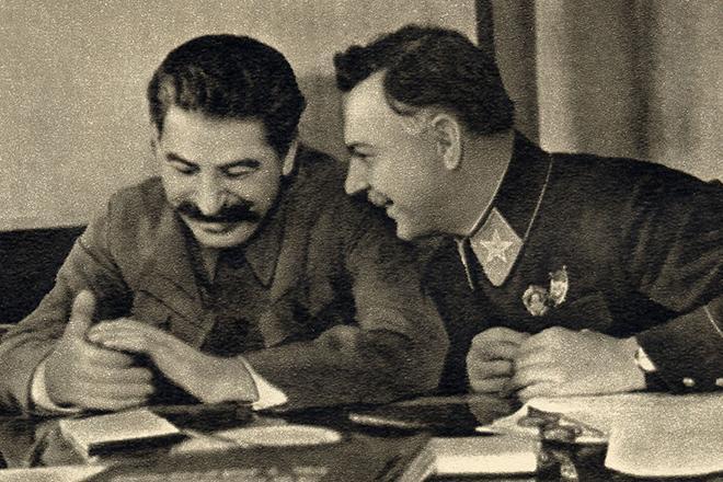 Рис. 4. Иосиф Сталин и Климент Ворошилов