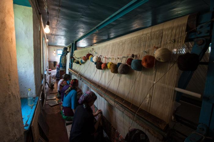 Рис. 4. Производство ковров в Махачкале