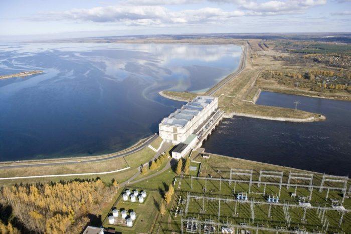 Рис. 4. Рыбинская ГЭС