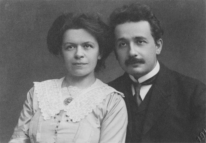 Рис. 4. Эйнштейн со своей первой женой Милевой Марич. ок. 1905 год