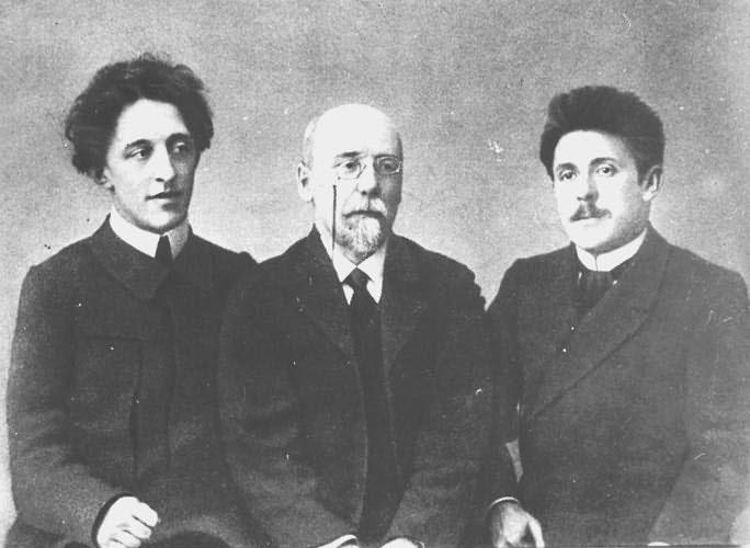 Рис. 5. Блок, Сологуб и Чулков в 1908 году