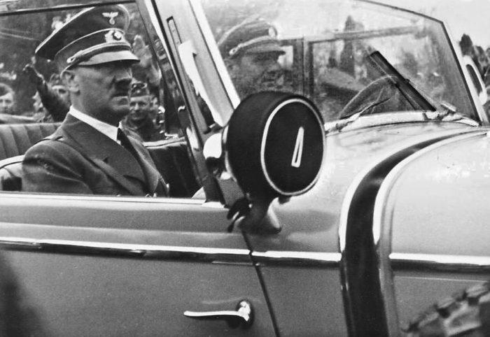 Рис. 5. Визит Гитлера в захваченную Польшу. 1939 год