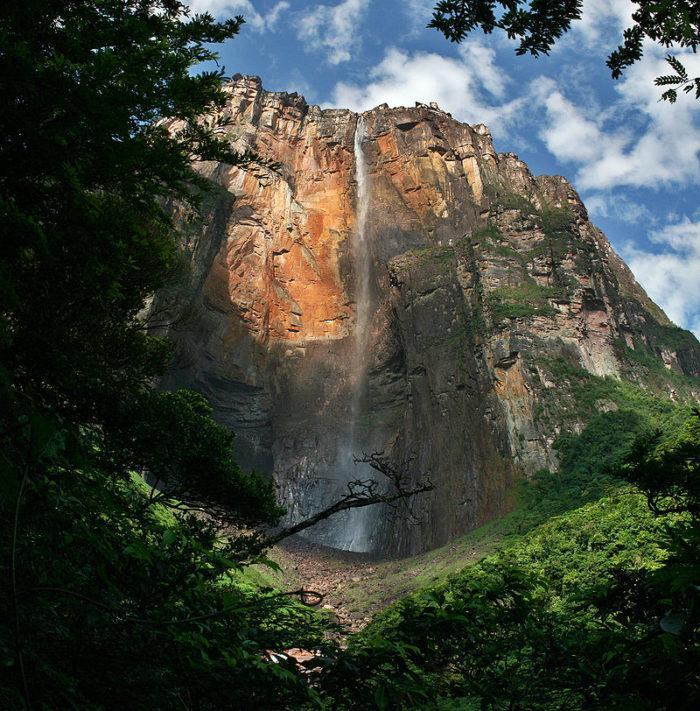 Рис. 5. Водопад Анхель — самый высокий водопад в мире. Венесуэла