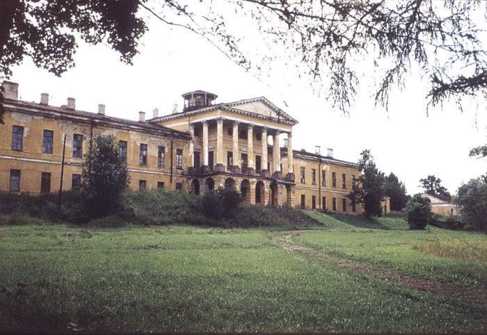 Рис. 6. Дворец в Ропше, построенный в правление Екатерины II