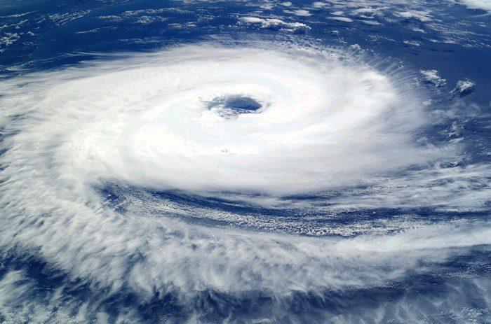 Рис. 7. Тропический циклон Катарина над южной частью Атлантического океана